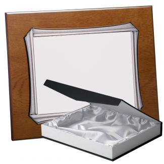 Kit placa de madera color roble avellana mate, aluminio y estuche lujo, serie P370B-50880 (Frontal)